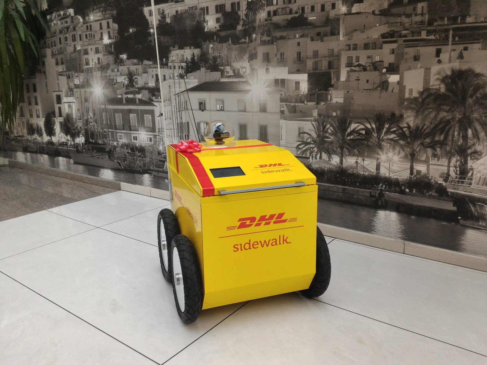DHL design Robotics for improving logistics Challenge 2016