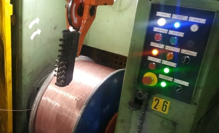Detection and elimination of loose and uneven winding in finished tyre bead wires