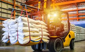 Minimizing manual handling of materials in warehouse