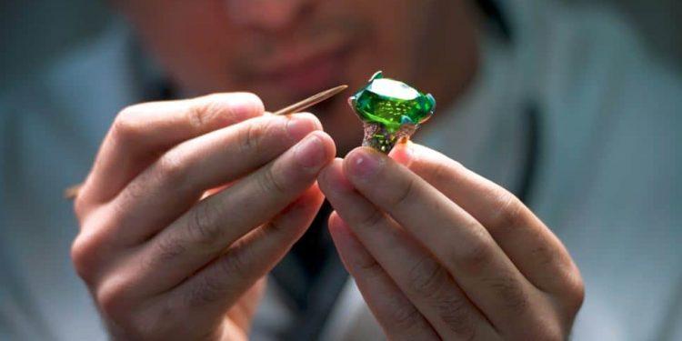 Larsen Jewellery Design Scholarship